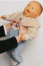 赤ちゃん人形のお世話